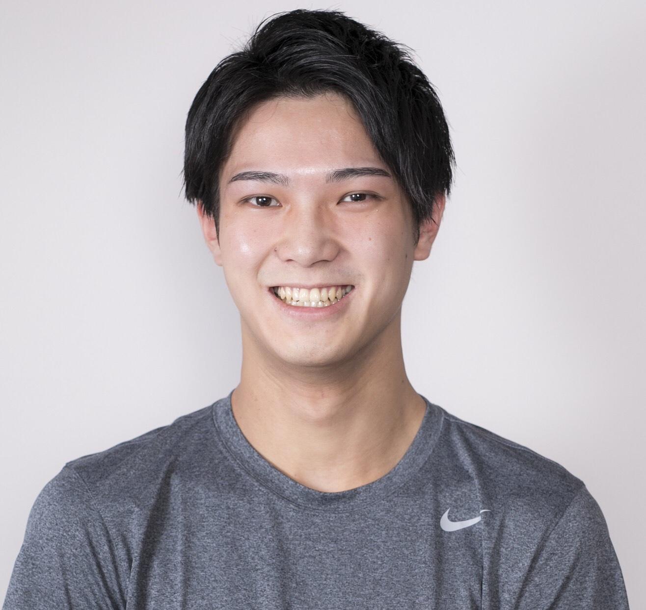 山田トレーナー